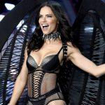 Адриана Лима дефилира за последно като ангел на Victoria's Secret