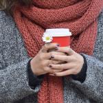 Трябва ли шалът да бъде цветово съчетан с облеклото?