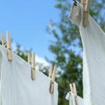 Защо да не сушим дрехите си на закрито?