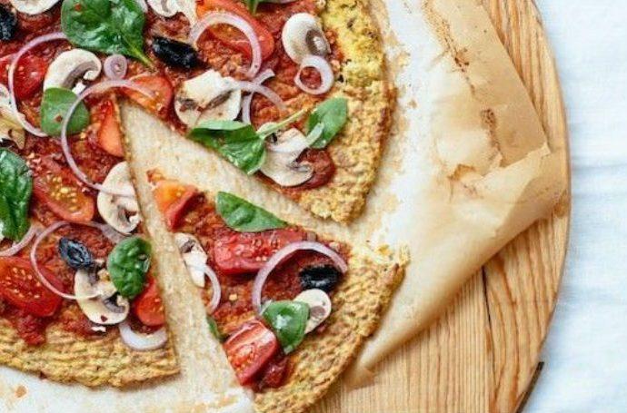 Здравословна пица без глутен с блат от карфиол