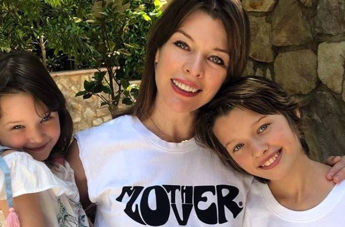 Мила Йовович ще става майка за трети път